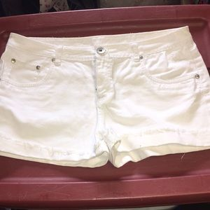 Justice Bottoms - White jean shorts